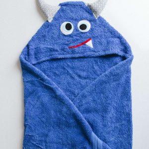 מגבת עם כובע בצורת מפלצת בצבע כחול