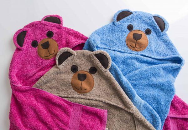 שלוש מגבות ברדס בצורת דובון בצבע כחול חום מוקה וורוד פוקסיה