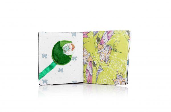 פיות עם פנסים על רקע ירוק בסדנון יפני ובובה נשלפת מתוך עלה ירוק על רקע עם פרפרים